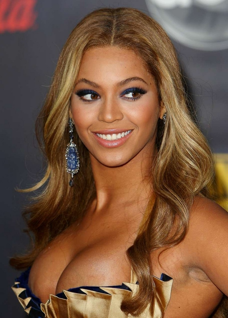 beyonc eacute pens badass essay on gender equality  beyonceacute pens badass essay on gender equality